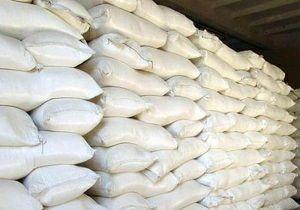 توزیع ۱۲۰ کیسه آرد بین خانوادههای نیازمند در مسجدسلیمان
